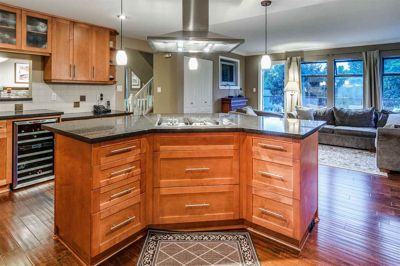 Detached at 628 THURSTON TERRACE, Port Moody, British Columbia. Image 6