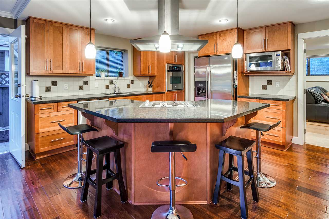 Detached at 628 THURSTON TERRACE, Port Moody, British Columbia. Image 7