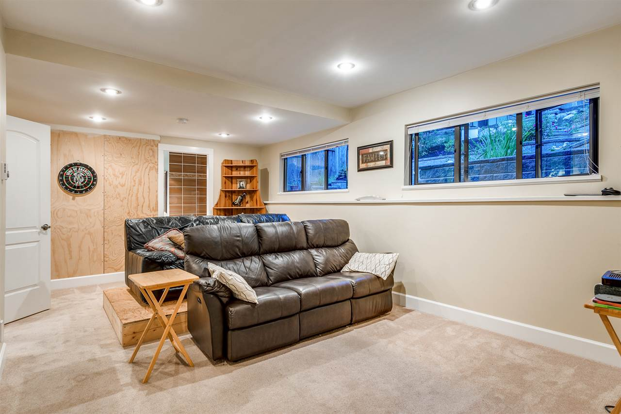 Detached at 628 THURSTON TERRACE, Port Moody, British Columbia. Image 11