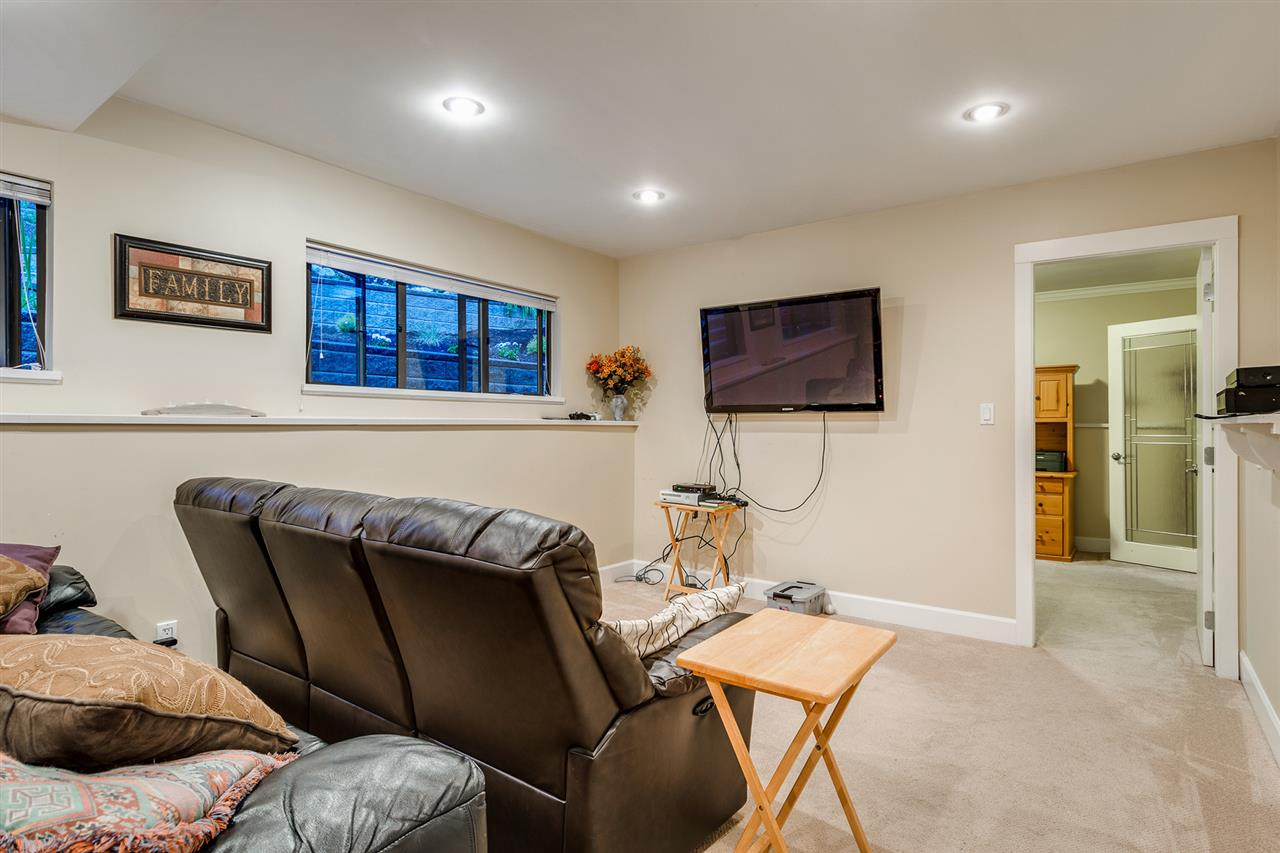 Detached at 628 THURSTON TERRACE, Port Moody, British Columbia. Image 12