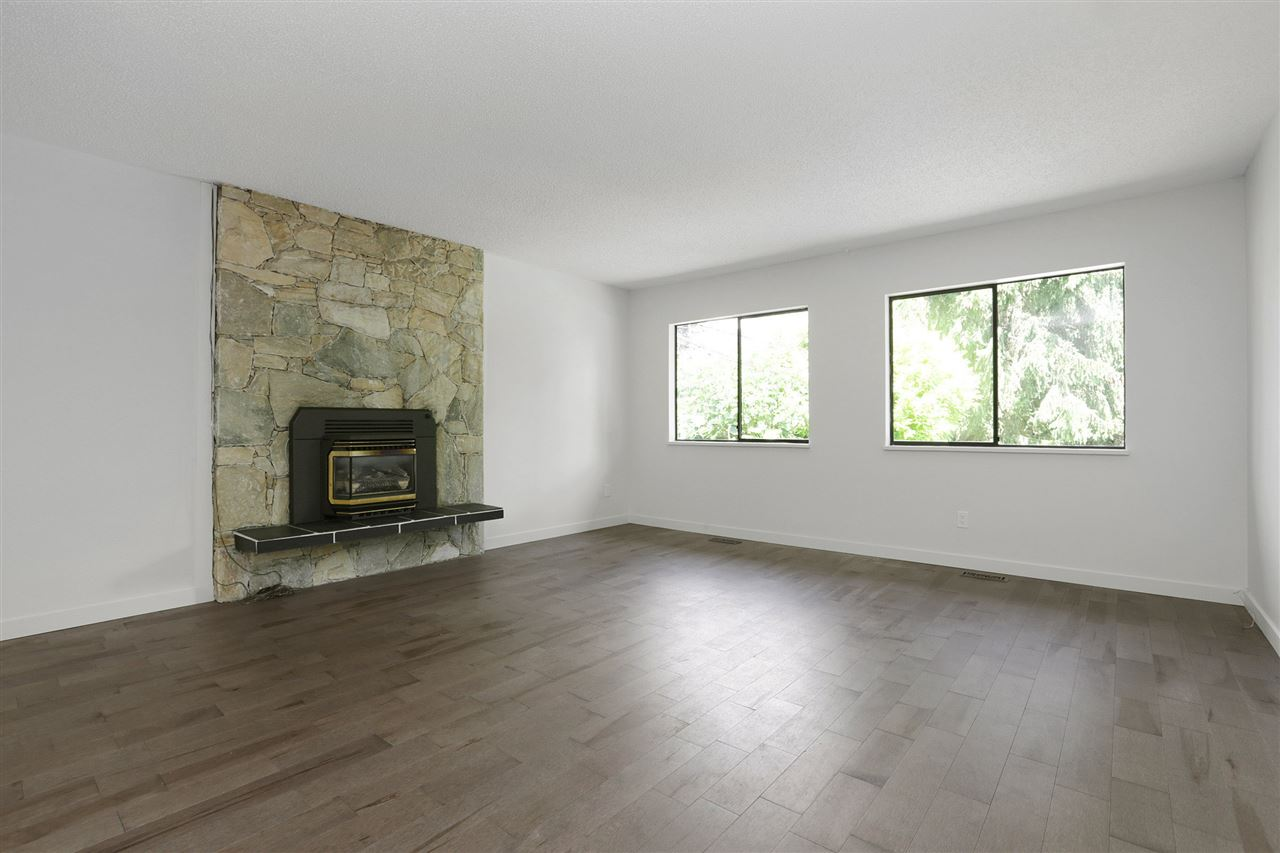 Detached at 4089 MT SEYMOUR PARKWAY, North Vancouver, British Columbia. Image 17