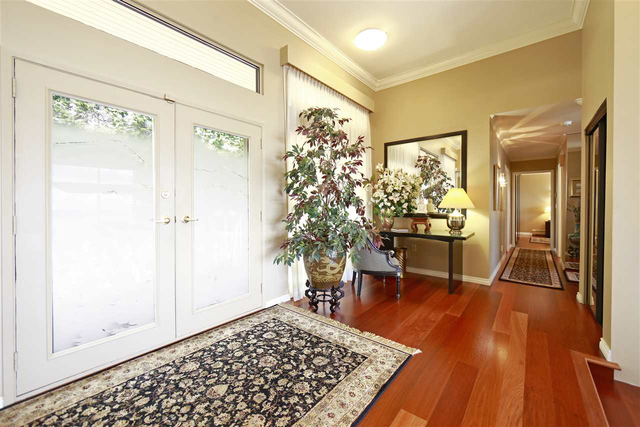 Detached at 1417 SANDHURST PLACE, West Vancouver, British Columbia. Image 3