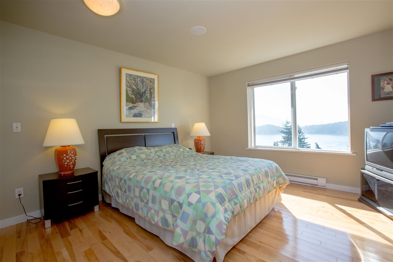 Detached at 548 ABBS ROAD, Sunshine Coast, British Columbia. Image 14