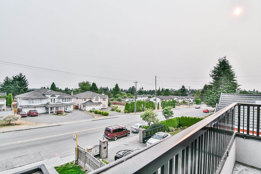 Detached at 11483 80 AVENUE, N. Delta, British Columbia. Image 19