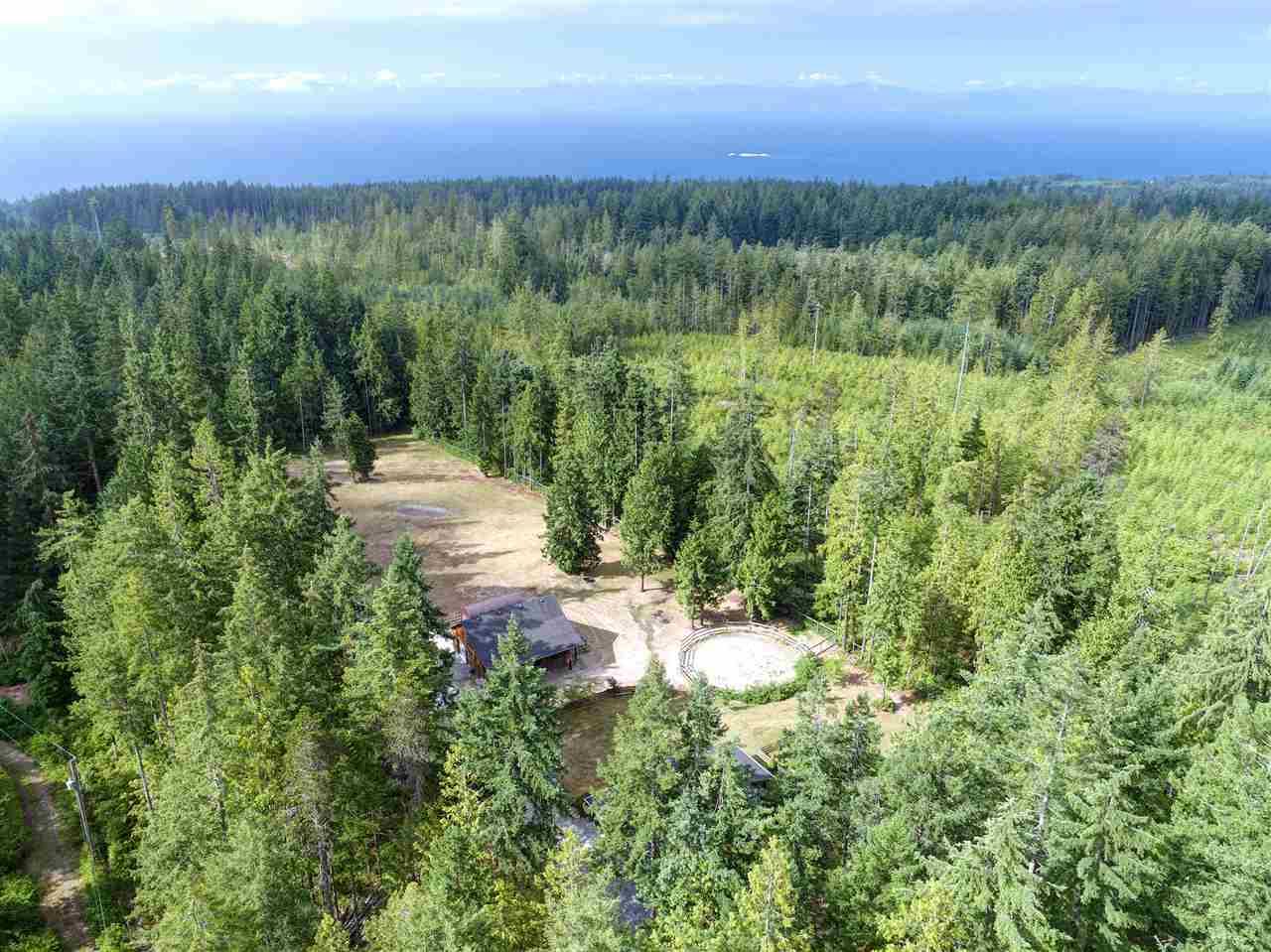 Detached at 1992 CRYSTAL CRESCENT, Sunshine Coast, British Columbia. Image 14