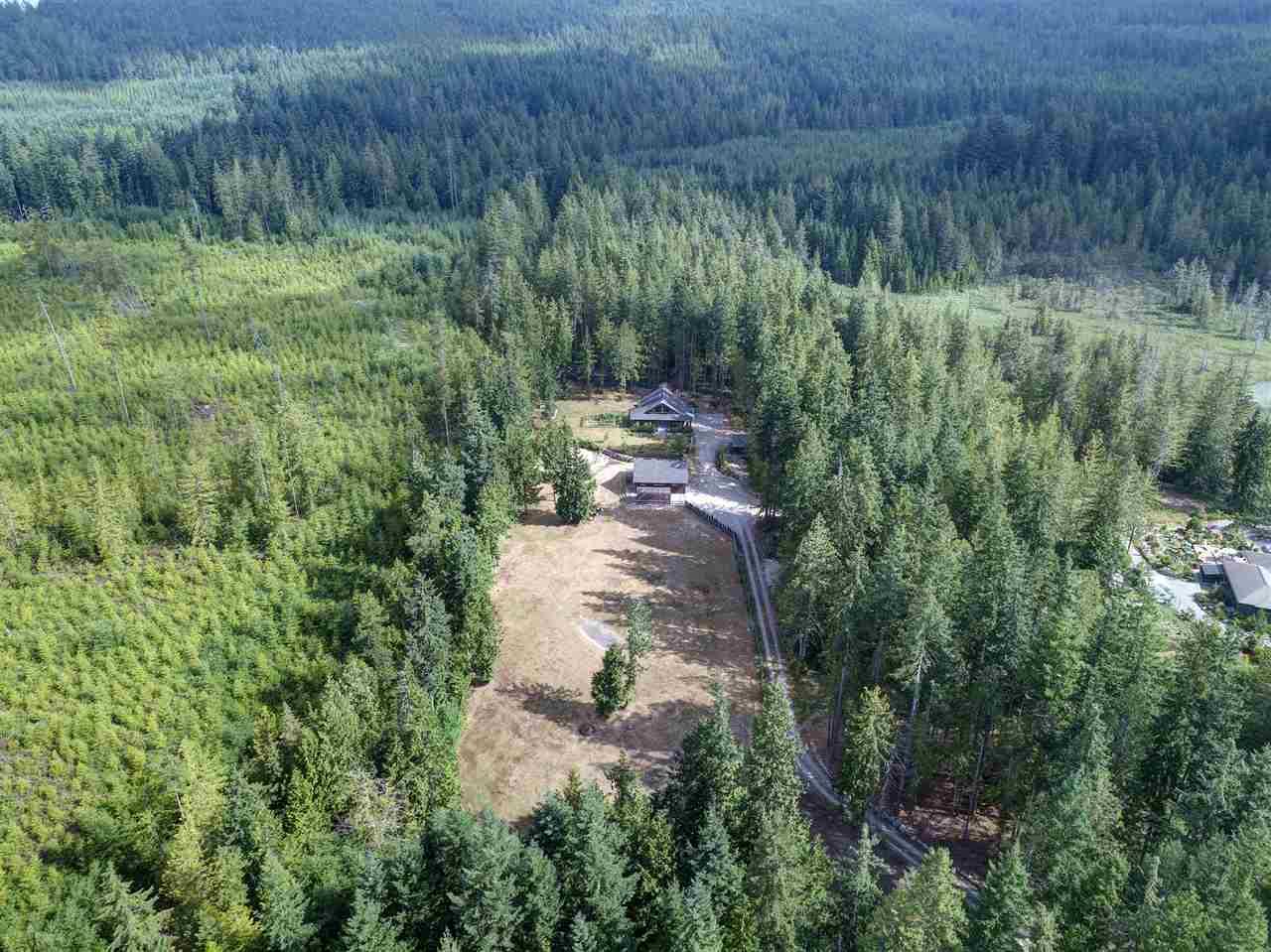 Detached at 1992 CRYSTAL CRESCENT, Sunshine Coast, British Columbia. Image 16
