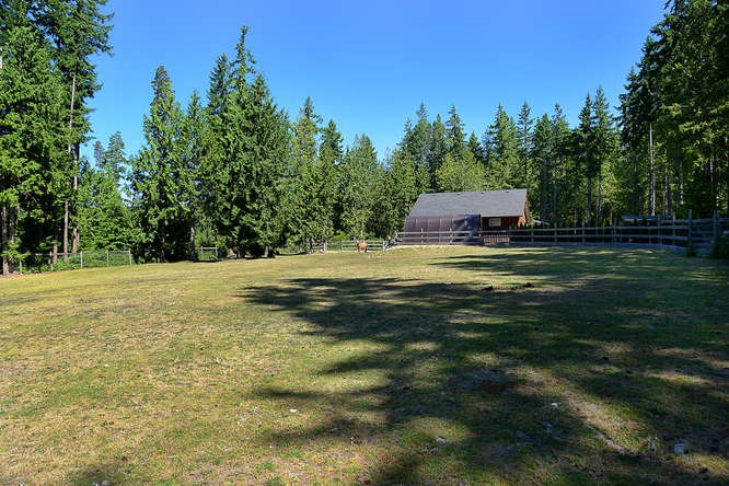 Detached at 1992 CRYSTAL CRESCENT, Sunshine Coast, British Columbia. Image 20