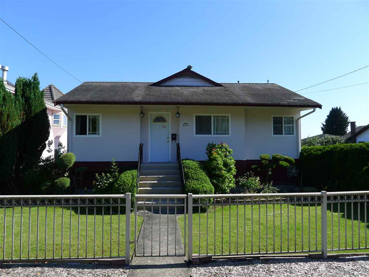 Detached at 5242 CLINTON STREET, Burnaby South, British Columbia. Image 1