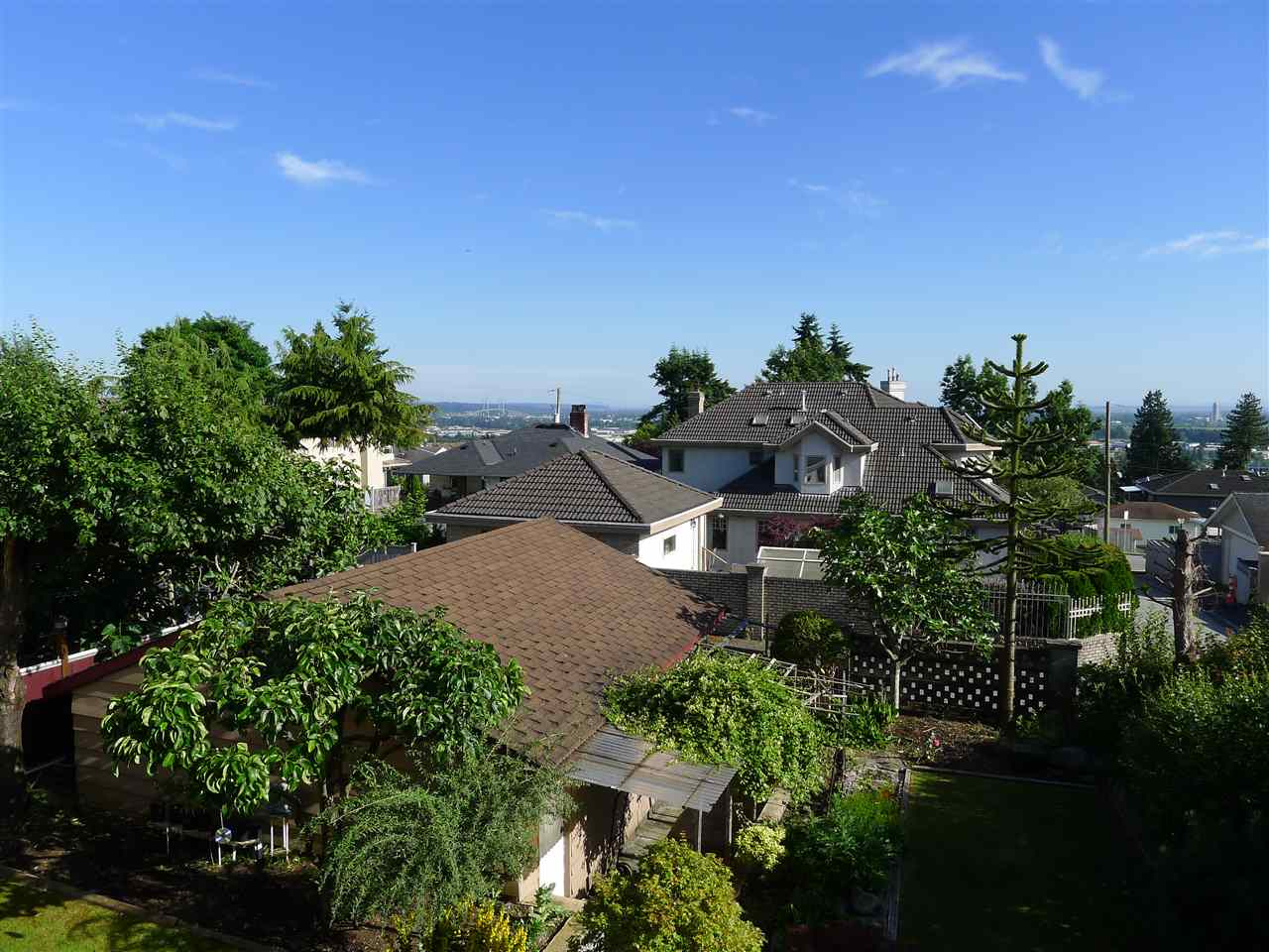 Detached at 5242 CLINTON STREET, Burnaby South, British Columbia. Image 3