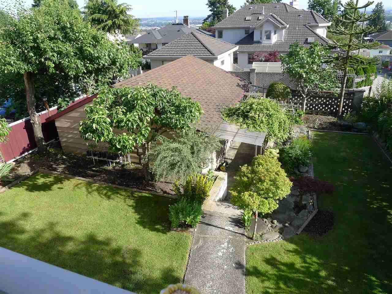 Detached at 5242 CLINTON STREET, Burnaby South, British Columbia. Image 4
