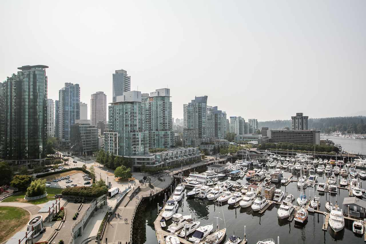 Condo Apartment at 1204 323 JERVIS STREET, Unit 1204, Vancouver West, British Columbia. Image 20