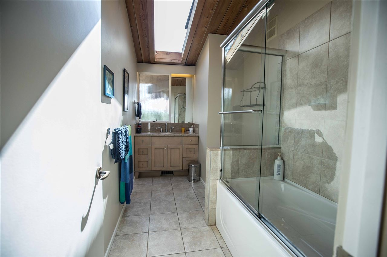 Detached at 645 KING GEORGES WAY, West Vancouver, British Columbia. Image 12