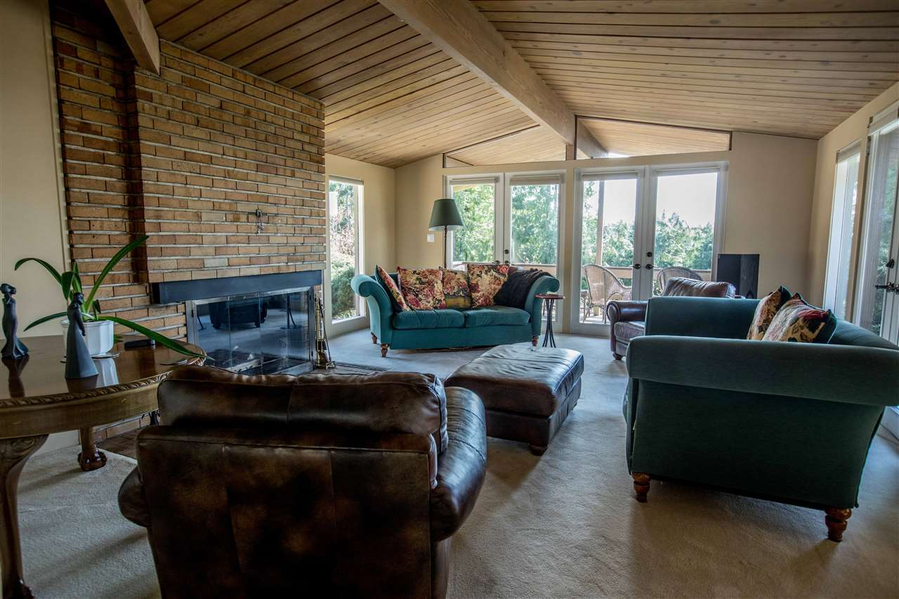 Detached at 645 KING GEORGES WAY, West Vancouver, British Columbia. Image 14