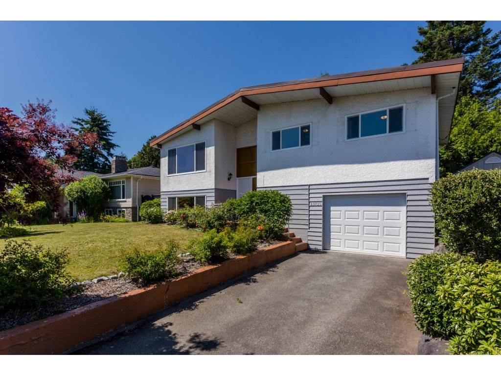 Detached at 13725 COLDICUTT AVENUE, South Surrey White Rock, British Columbia. Image 1