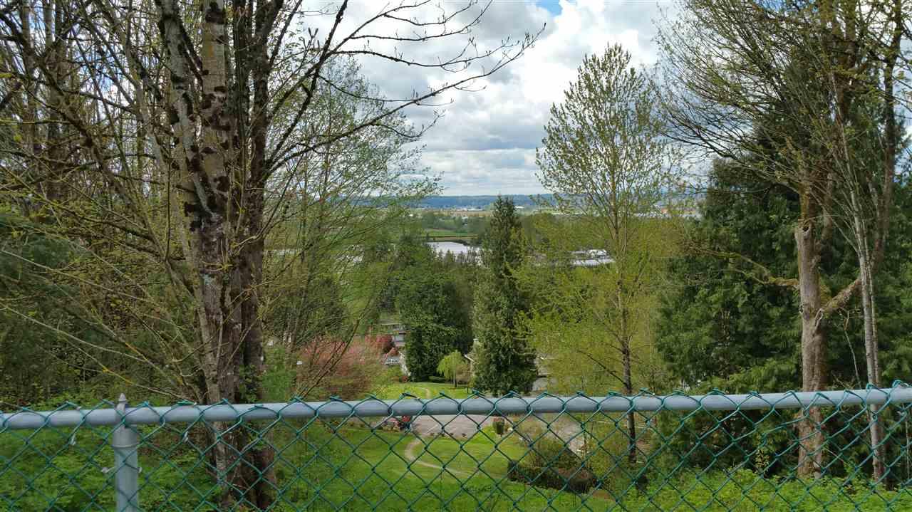 Detached at 4106 OLD CLAYBURN ROAD, Abbotsford, British Columbia. Image 2