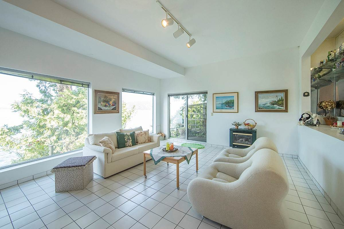 Detached at 6 MONTIZAMBERT WYND, West Vancouver, British Columbia. Image 16