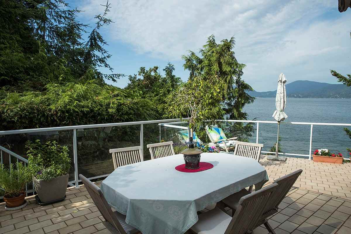 Detached at 6 MONTIZAMBERT WYND, West Vancouver, British Columbia. Image 18