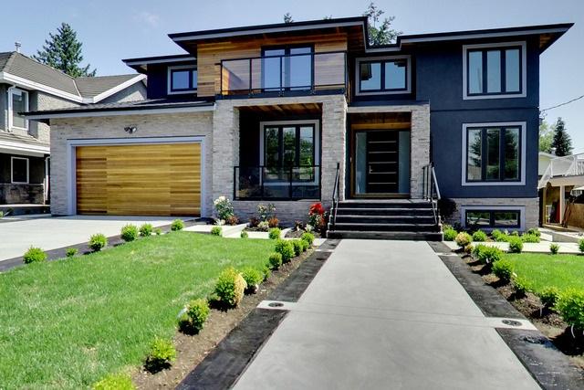 Detached at 813 LONGLAC STREET, Coquitlam, British Columbia. Image 2