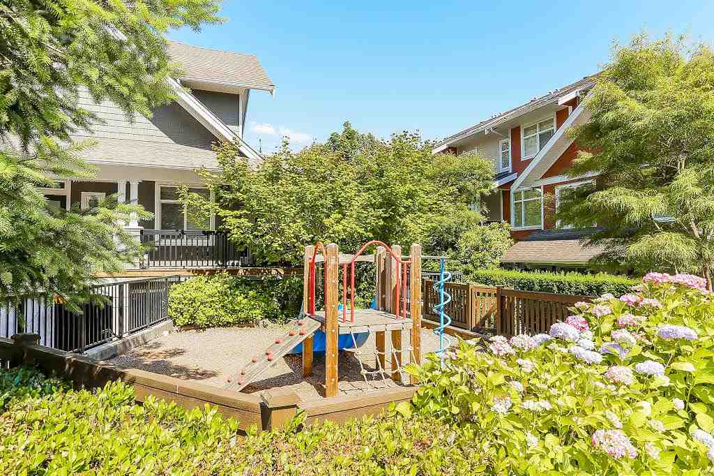 Townhouse at 24 6878 SOUTHPOINT DRIVE, Unit 24, Burnaby South, British Columbia. Image 5
