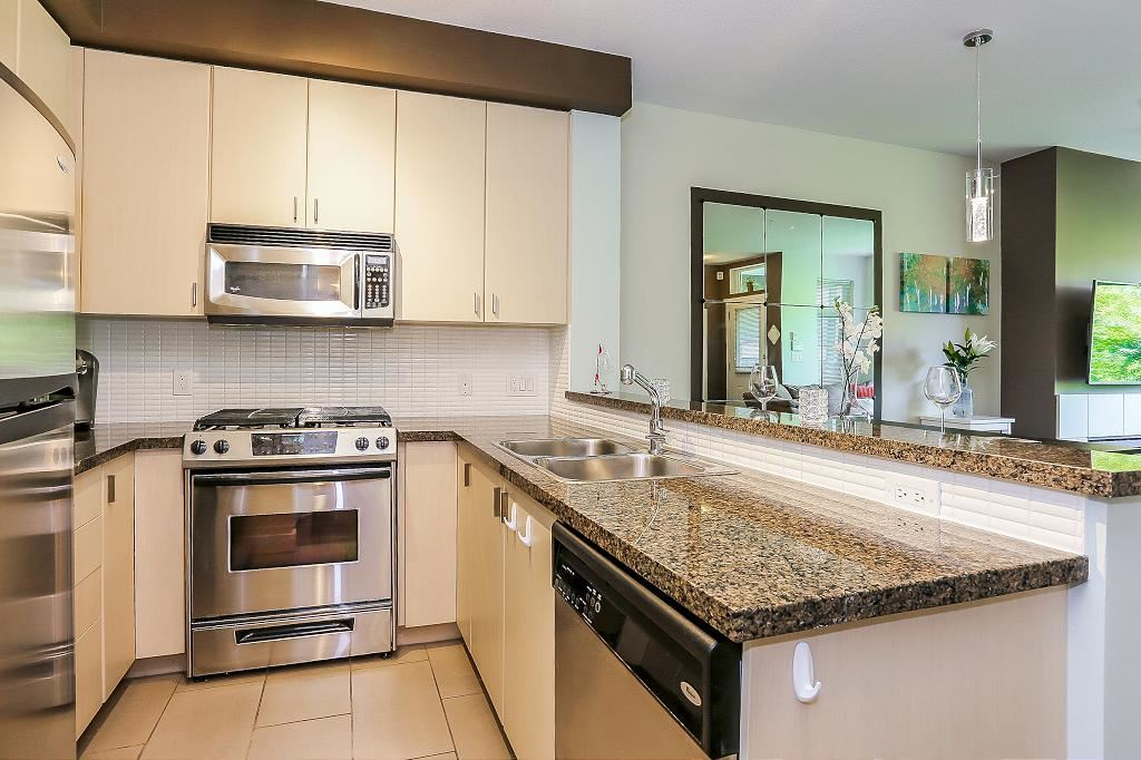 Townhouse at 24 6878 SOUTHPOINT DRIVE, Unit 24, Burnaby South, British Columbia. Image 12