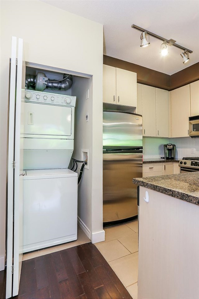 Townhouse at 24 6878 SOUTHPOINT DRIVE, Unit 24, Burnaby South, British Columbia. Image 13