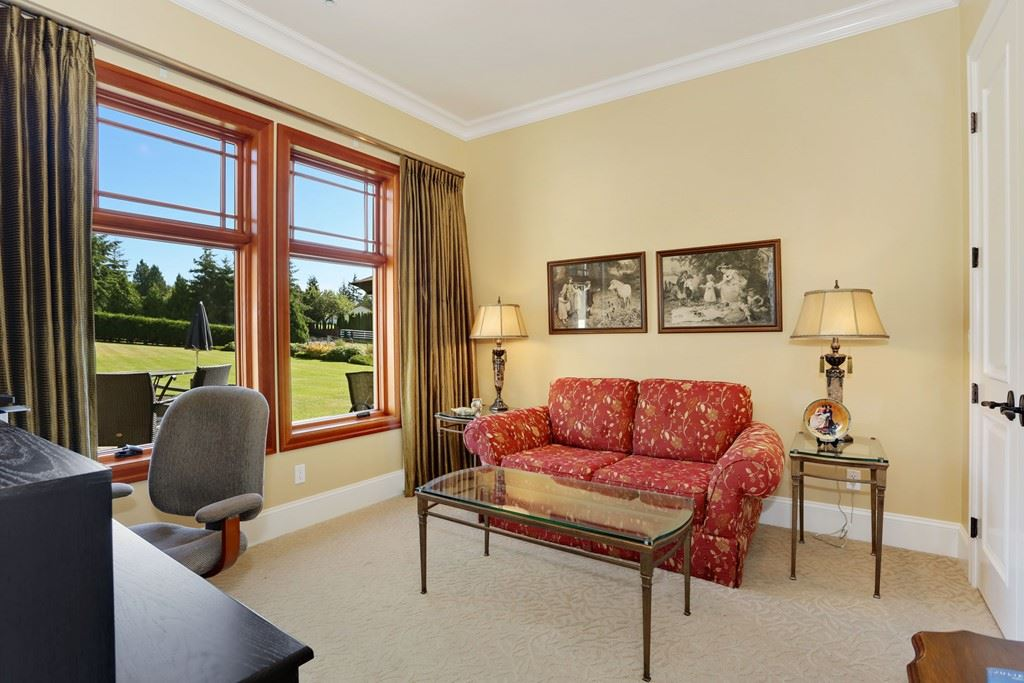 Detached at 19621 3A AVENUE, Langley, British Columbia. Image 2