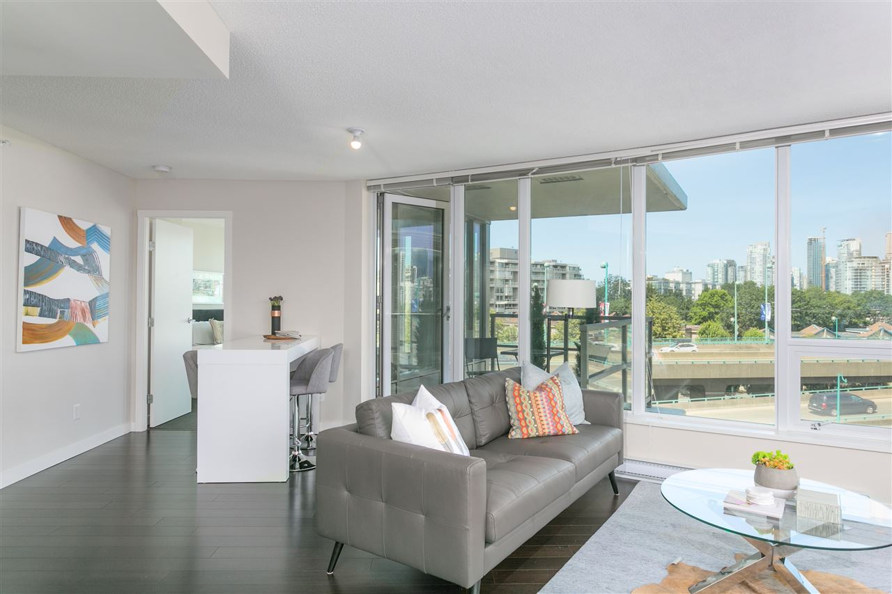 Condo Apartment at 604 445 W 2ND AVENUE, Unit 604, Vancouver West, British Columbia. Image 3