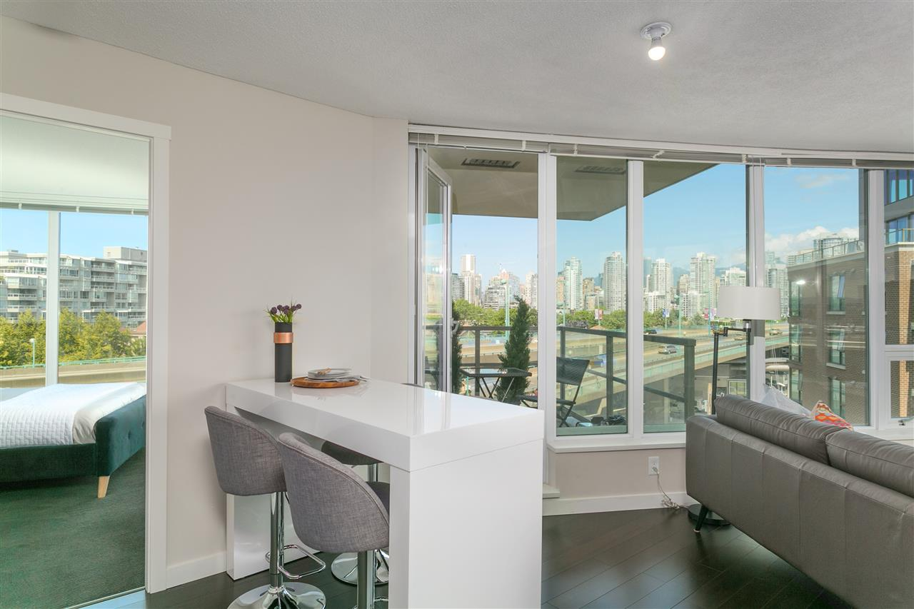 Condo Apartment at 604 445 W 2ND AVENUE, Unit 604, Vancouver West, British Columbia. Image 4