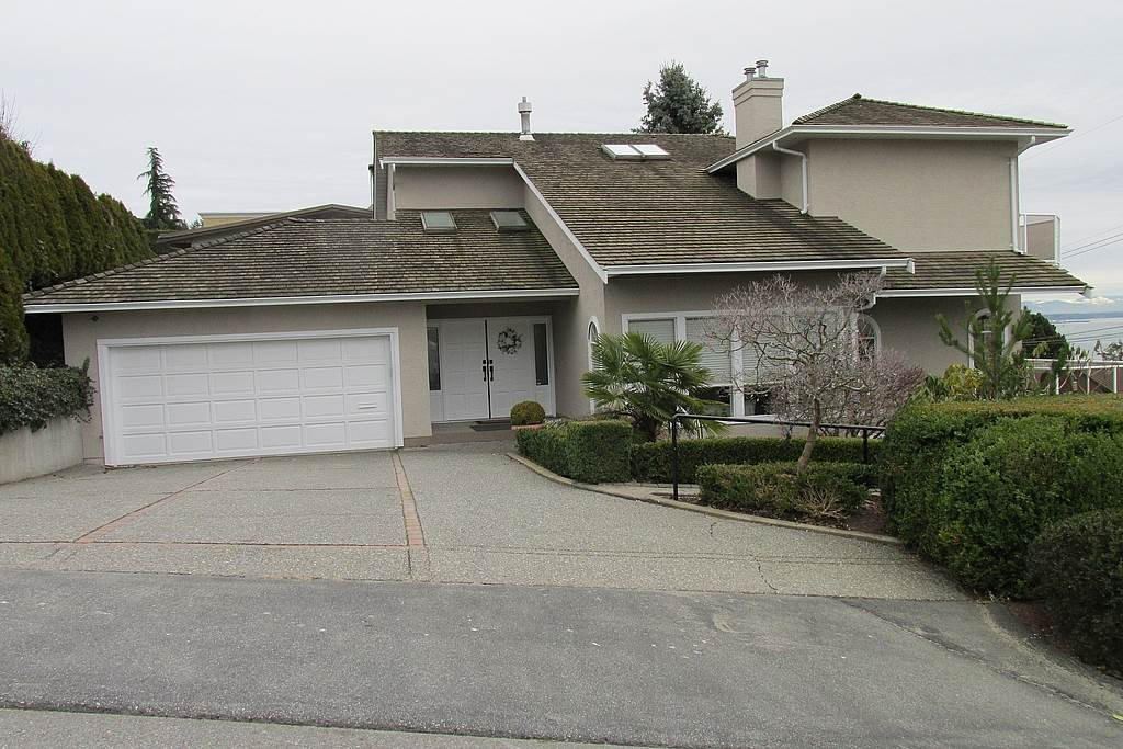 Detached at 14357 SUNSET DRIVE, South Surrey White Rock, British Columbia. Image 2