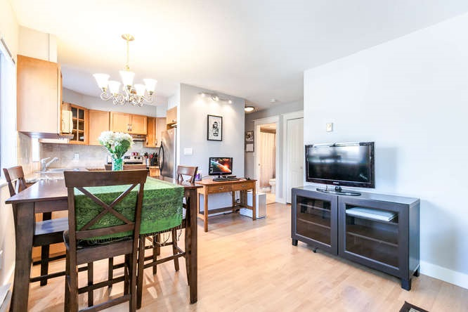 Condo Apartment at 110 1948 COQUITLAM AVENUE, Unit 110, Port Coquitlam, British Columbia. Image 4