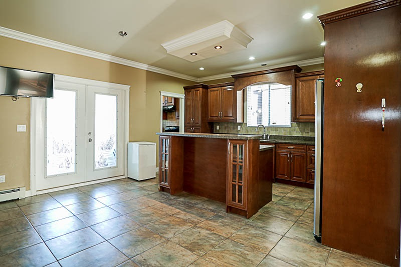 Detached at 6278 188 STREET, Cloverdale, British Columbia. Image 3