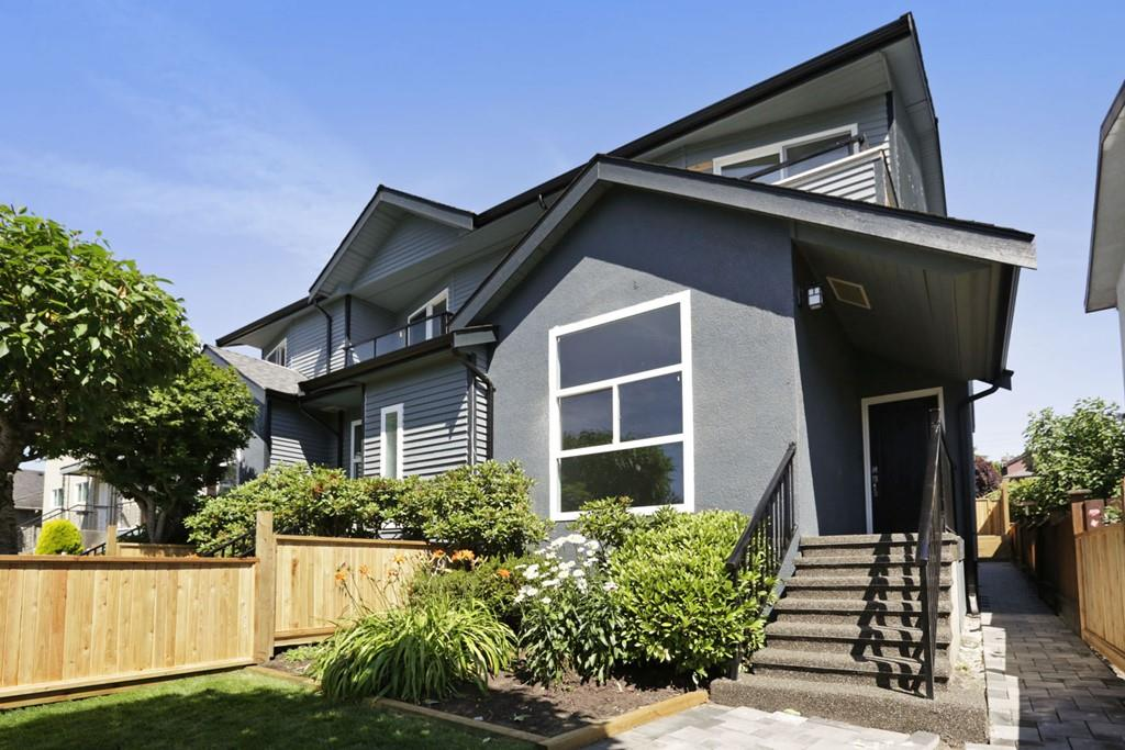 Half-duplex at 268 E 9TH STREET, North Vancouver, British Columbia. Image 2