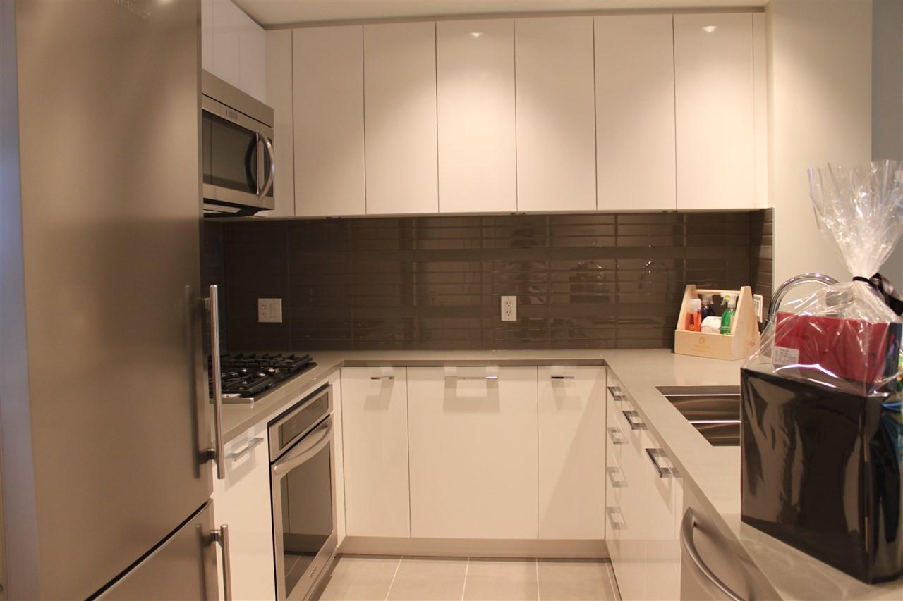 Condo Apartment at 1802 3102 WINDSOR GATE, Unit 1802, Coquitlam, British Columbia. Image 5