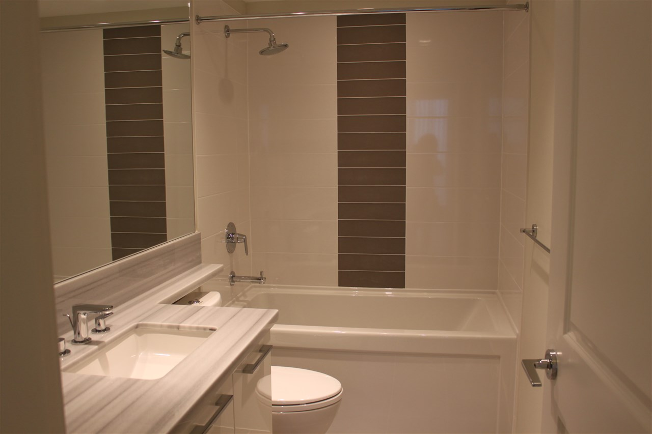 Condo Apartment at 1802 3102 WINDSOR GATE, Unit 1802, Coquitlam, British Columbia. Image 8