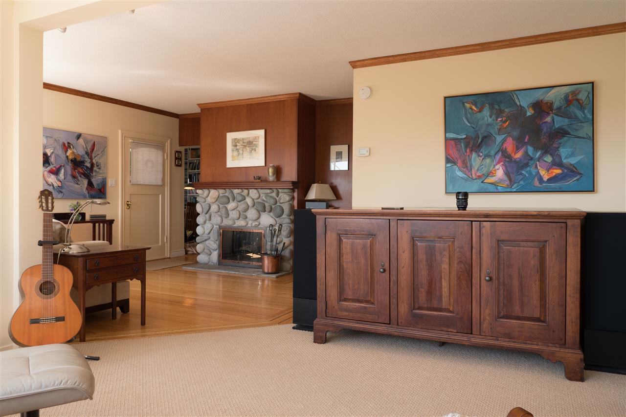 Detached at 3325 MARINE DRIVE, West Vancouver, British Columbia. Image 7