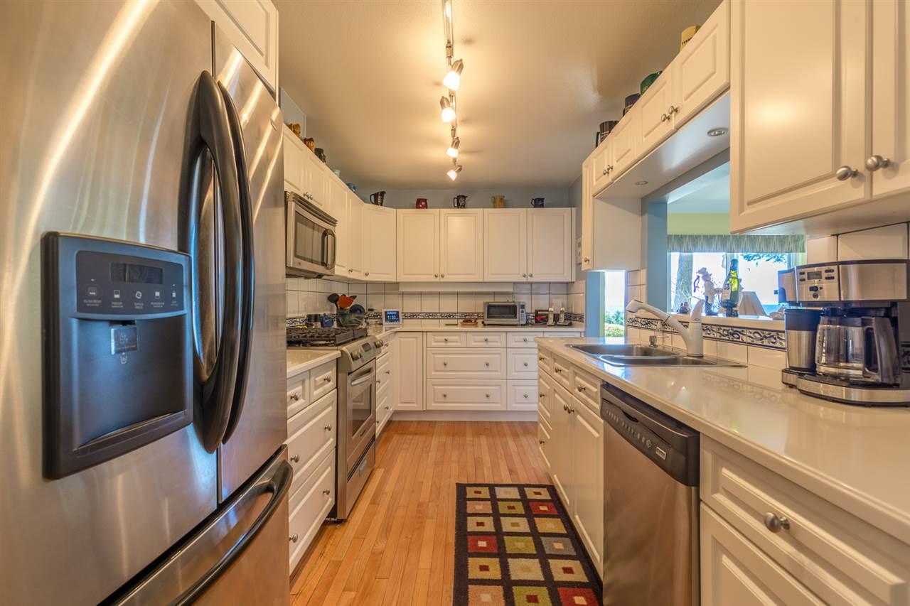 Condo Apartment at 215 1585 FIELD ROAD, Unit 215, Sunshine Coast, British Columbia. Image 9