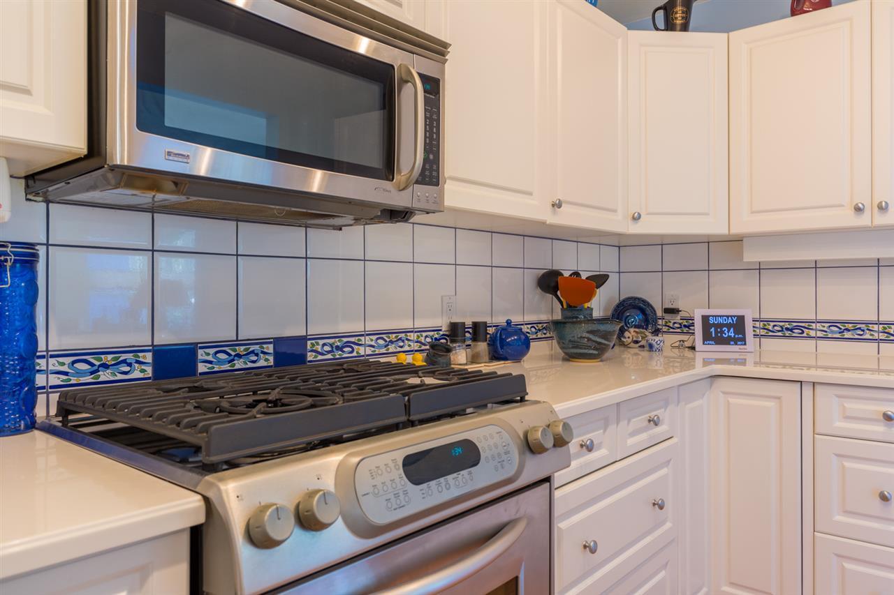 Condo Apartment at 215 1585 FIELD ROAD, Unit 215, Sunshine Coast, British Columbia. Image 10