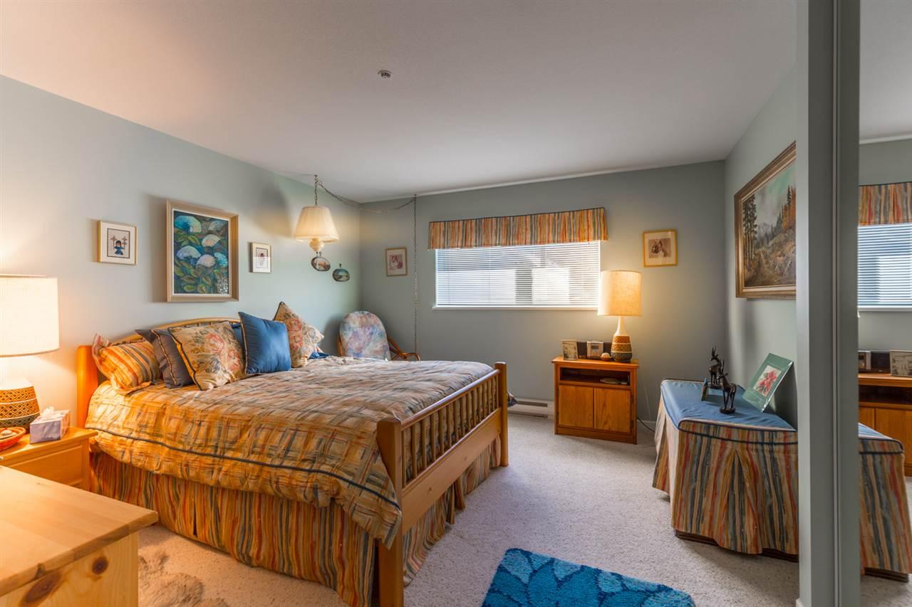 Condo Apartment at 215 1585 FIELD ROAD, Unit 215, Sunshine Coast, British Columbia. Image 13