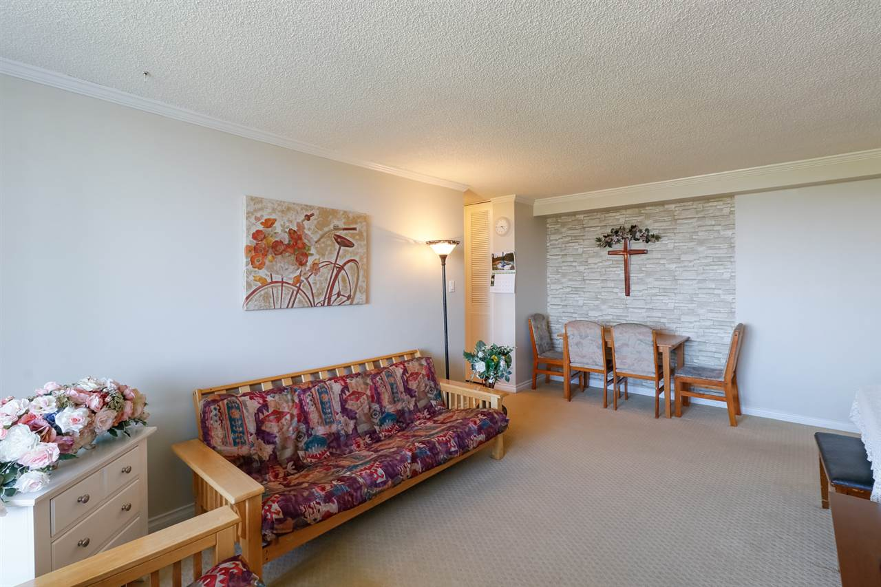 Condo Apartment at 804 5645 BARKER AVENUE, Unit 804, Burnaby South, British Columbia. Image 5