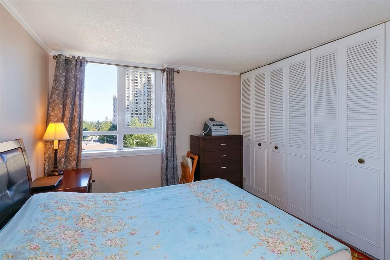 Condo Apartment at 804 5645 BARKER AVENUE, Unit 804, Burnaby South, British Columbia. Image 9