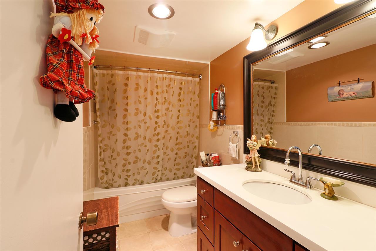 Condo Apartment at 804 5645 BARKER AVENUE, Unit 804, Burnaby South, British Columbia. Image 12