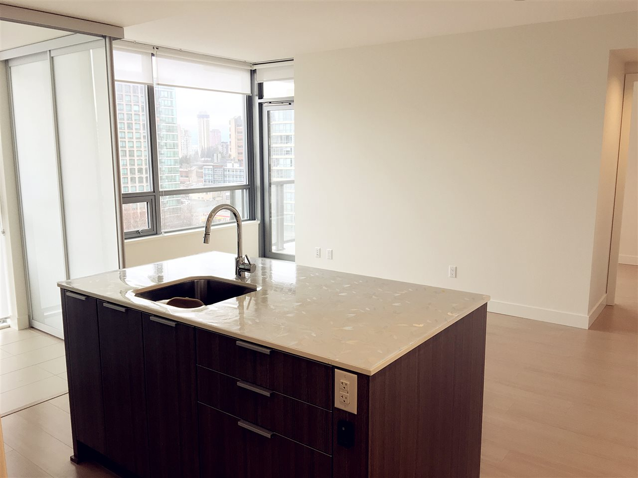 Condo Apartment at 1502 1308 HORNBY STREET, Unit 1502, Vancouver West, British Columbia. Image 3