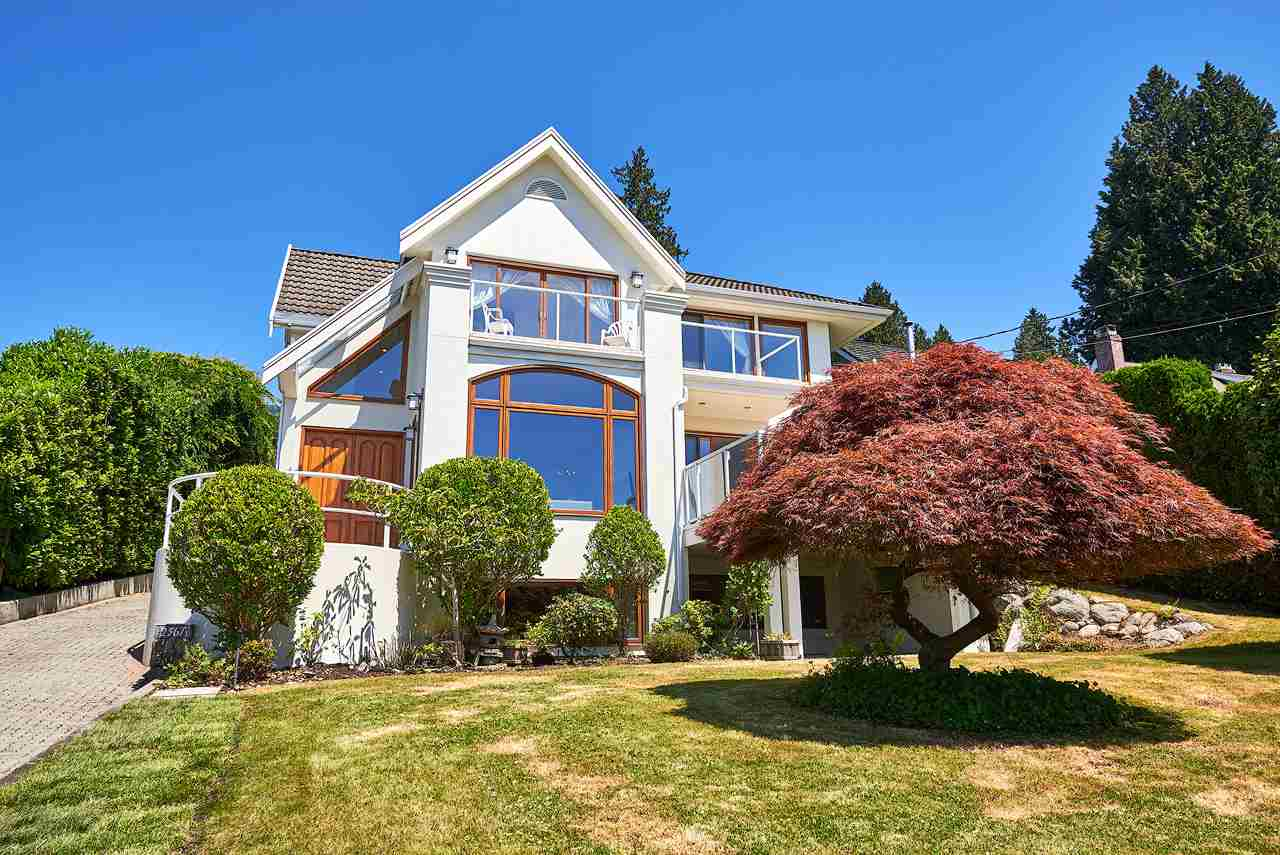 Detached at 2367 NELSON AVENUE, West Vancouver, British Columbia. Image 2