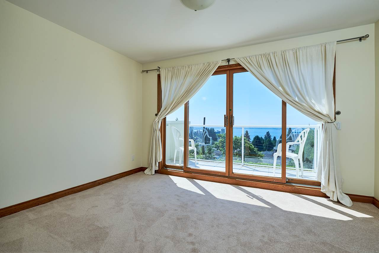 Detached at 2367 NELSON AVENUE, West Vancouver, British Columbia. Image 14