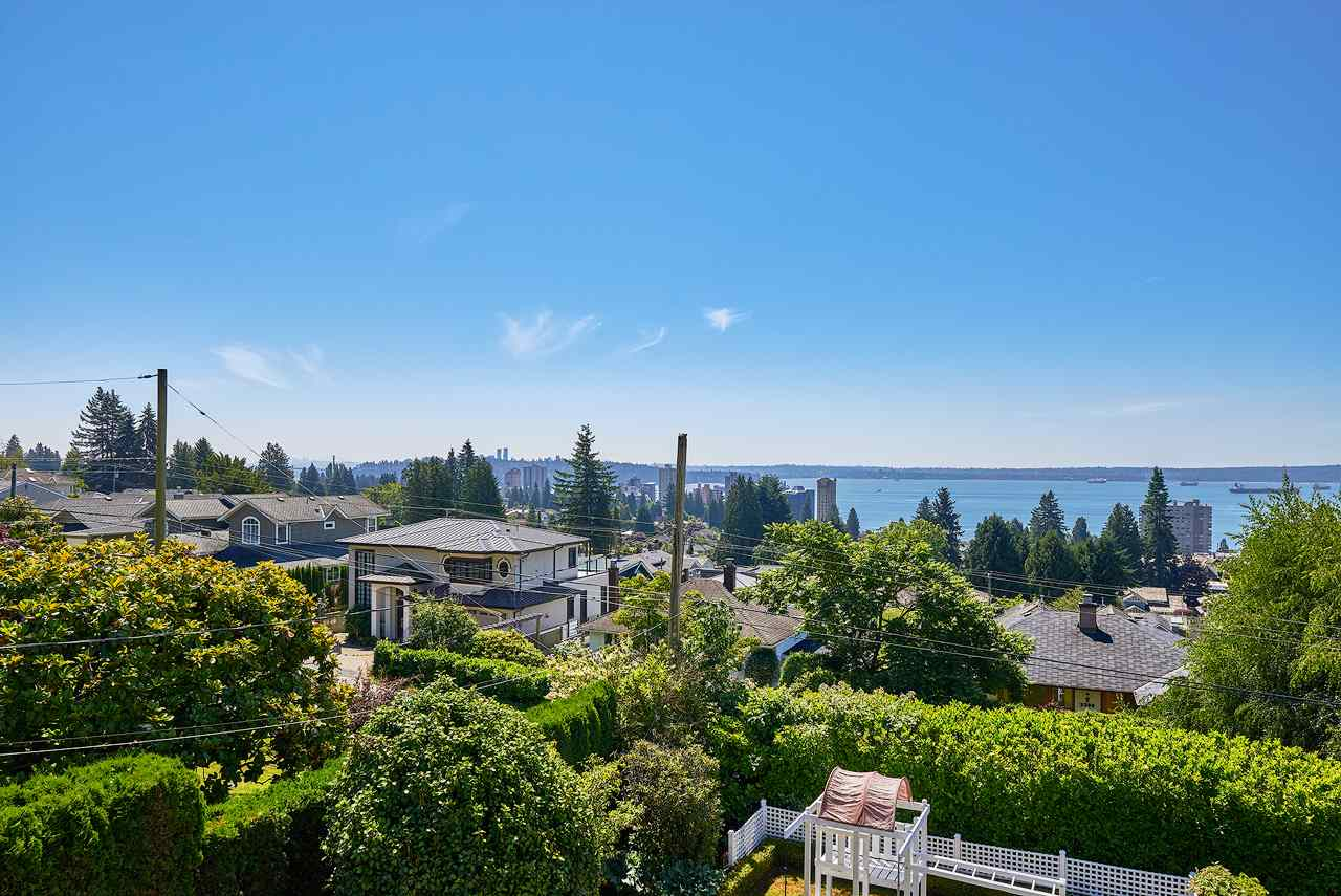 Detached at 2367 NELSON AVENUE, West Vancouver, British Columbia. Image 15