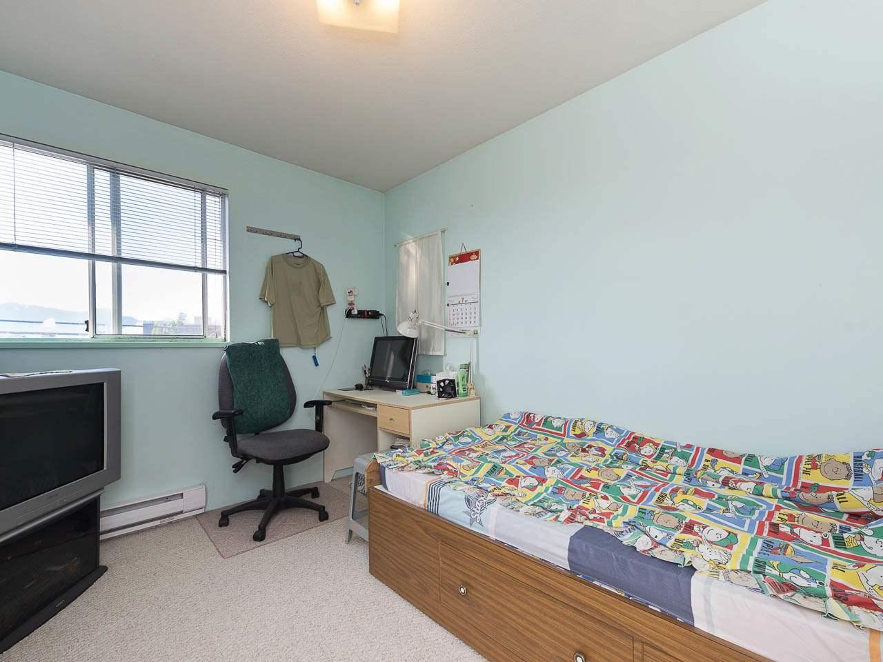 Half-duplex at 1663 E 14TH AVENUE, Vancouver East, British Columbia. Image 7