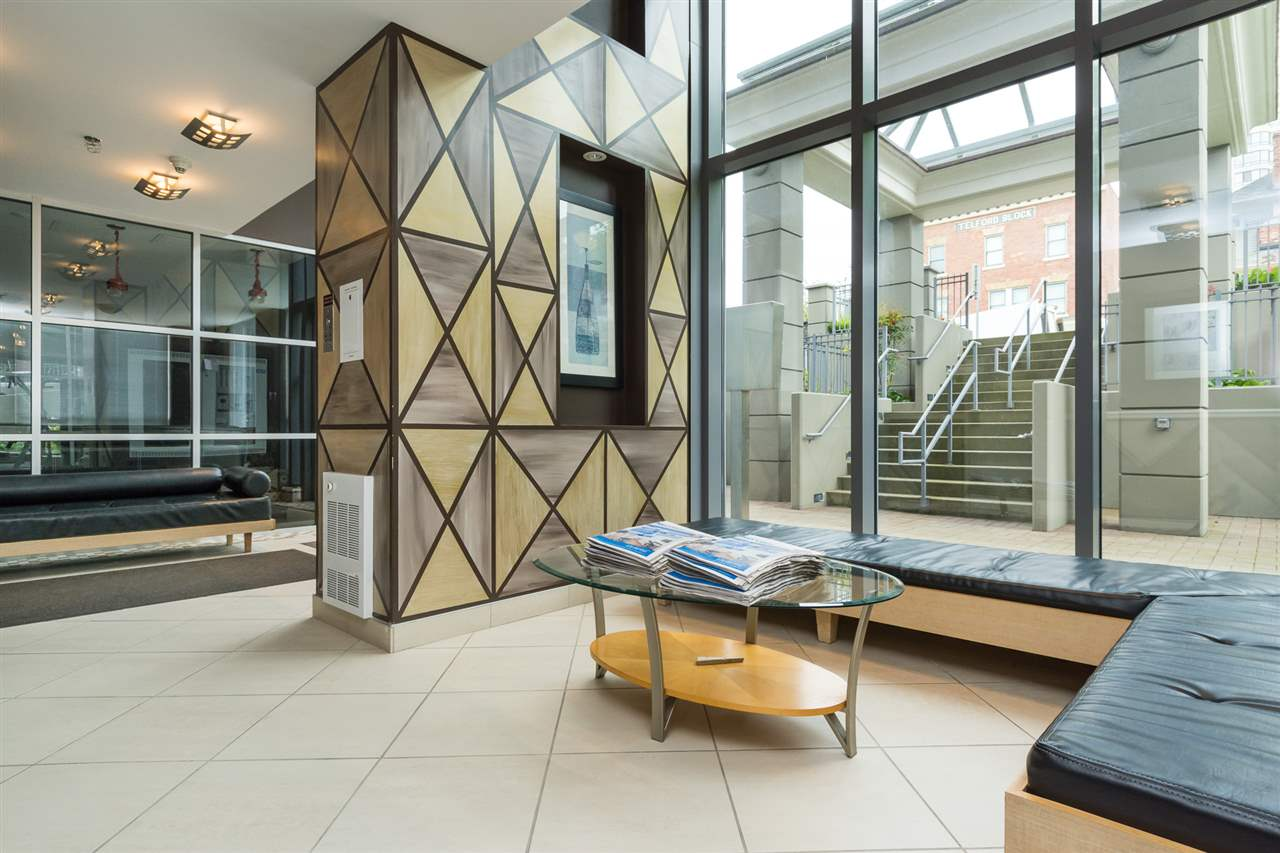 Condo Apartment at 1701 850 ROYAL AVENUE, Unit 1701, New Westminster, British Columbia. Image 3