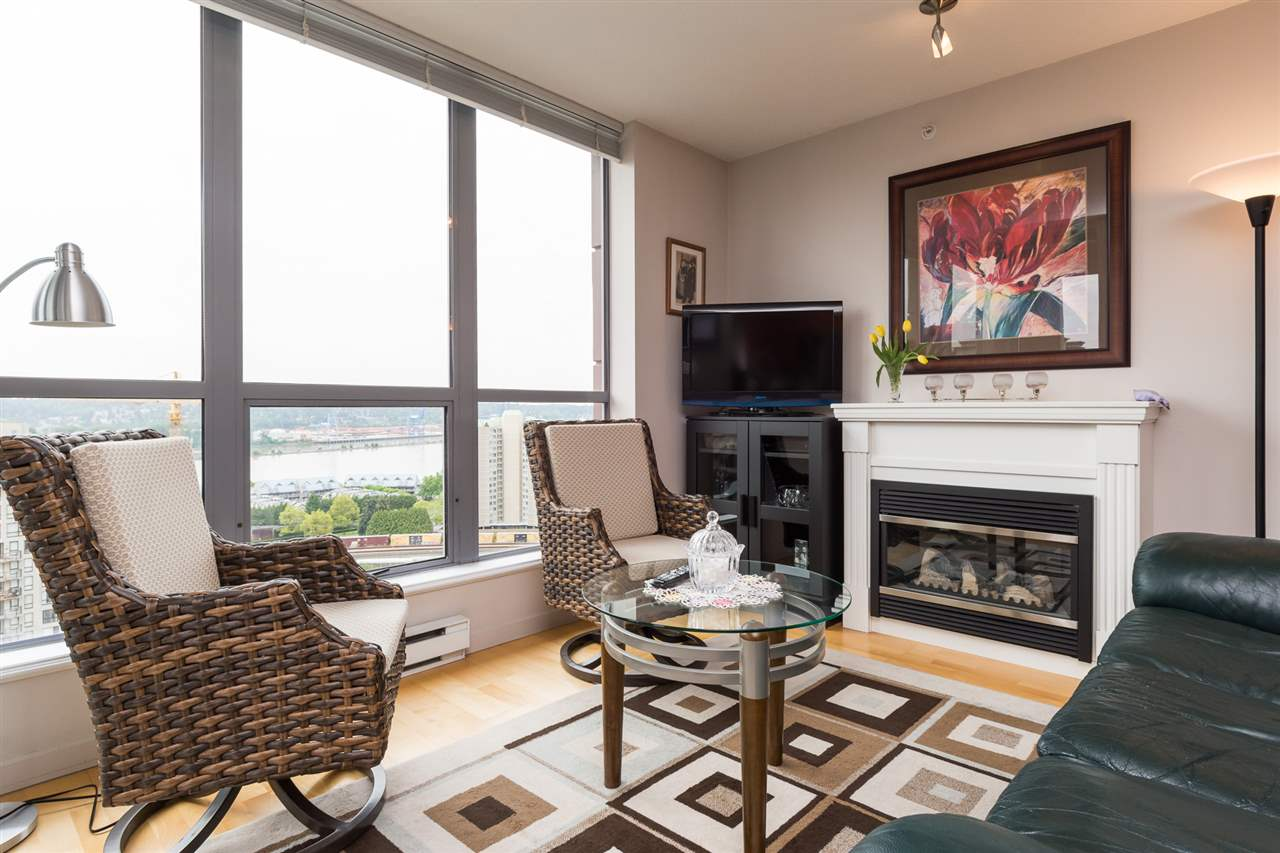 Condo Apartment at 1701 850 ROYAL AVENUE, Unit 1701, New Westminster, British Columbia. Image 4