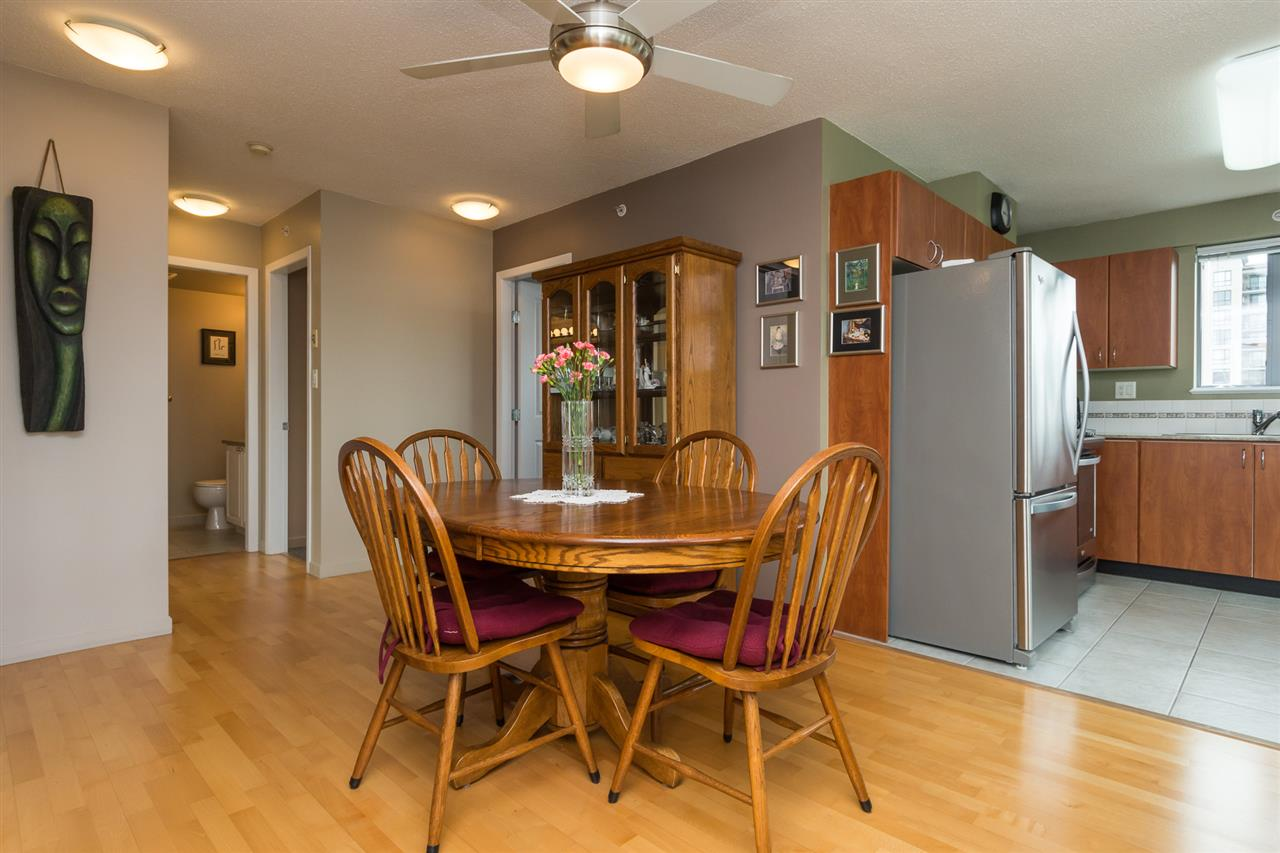 Condo Apartment at 1701 850 ROYAL AVENUE, Unit 1701, New Westminster, British Columbia. Image 6