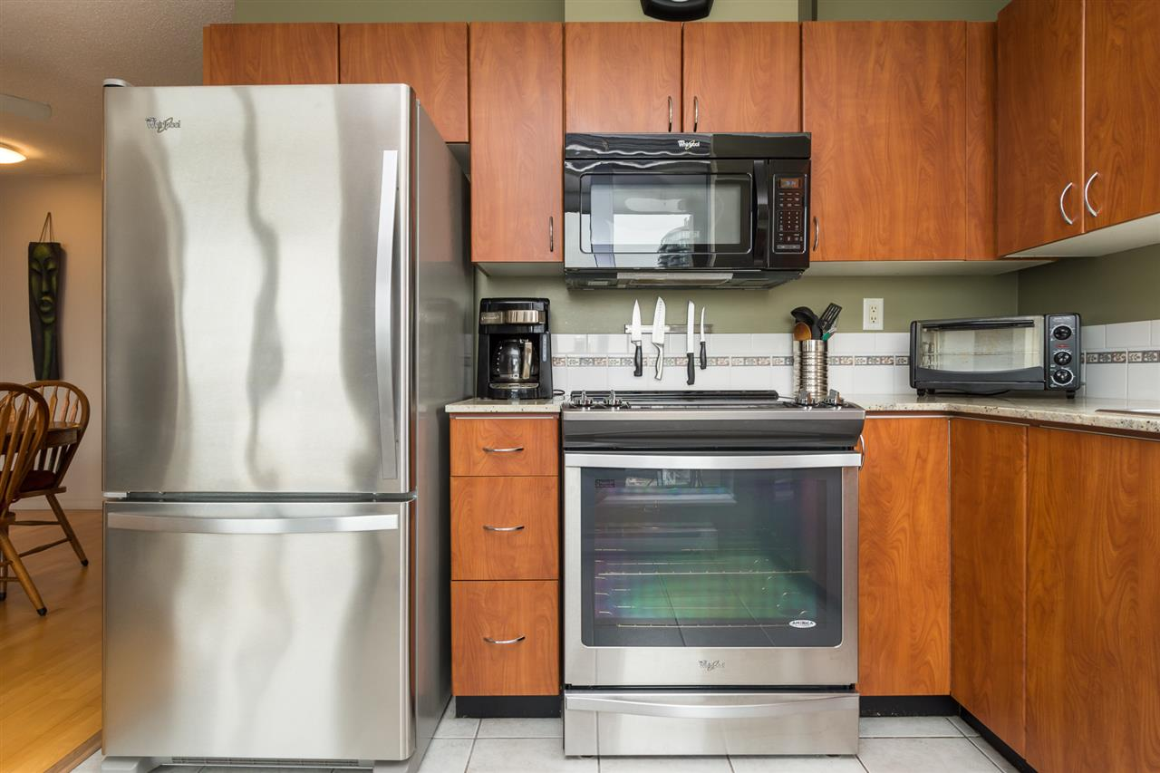 Condo Apartment at 1701 850 ROYAL AVENUE, Unit 1701, New Westminster, British Columbia. Image 8